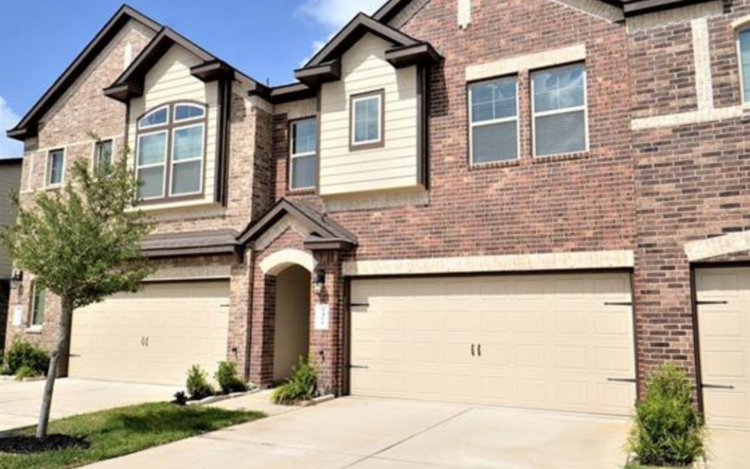 Rosenberg, TX, 3 Bed, 2 1/2 Bath, Under $210k